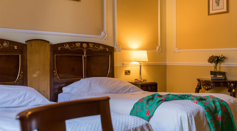 Superior room hotel bristol palace 4 stars hotel for Superior hotel